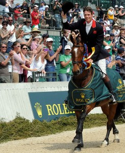 Rolex Kentucky winner William Fox-Pitt takes a victory lap with Parklane Hawk